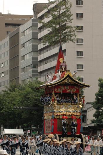 blog-山鉾巡行.jpg